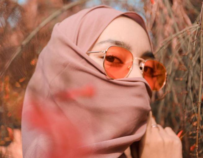 https: img.okezone.com content 2020 08 24 614 2266767 ini-lho-rekomendasi-bahan-hijab-nyaman-dan-berkualitas-qgtmG3tUUJ.JPG