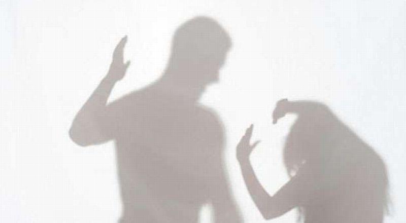 https: img.okezone.com content 2020 08 24 620 2266691 cinta-beda-agama-gadis-ini-dianiaya-keluarga-sendiri-1iVfZuuYYw.jpg