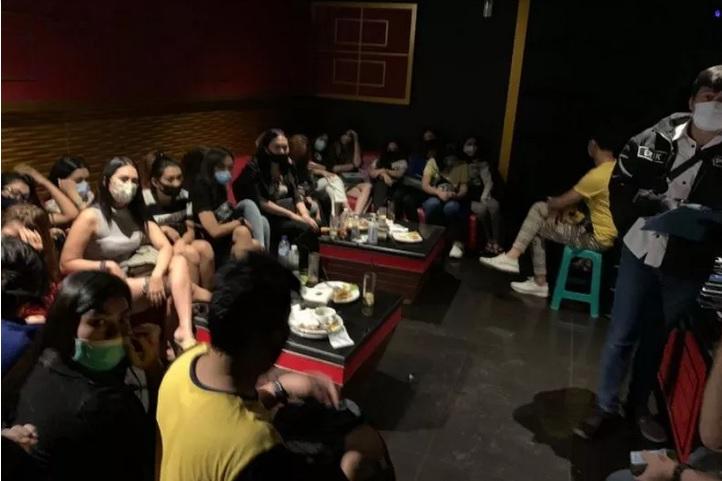 https: img.okezone.com content 2020 08 25 337 2267071 bareskrim-kebut-berkas-kasus-karaoke-vanesia-yZI2nPHyvZ.jpg