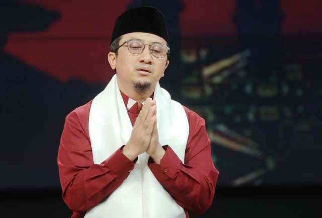 https: img.okezone.com content 2020 08 25 618 2267030 ustadz-yusuf-mansur-ajarkan-doa-mengandung-asmaul-husna-untuk-atasi-berbagai-masalah-9g8remvRYk.jpg