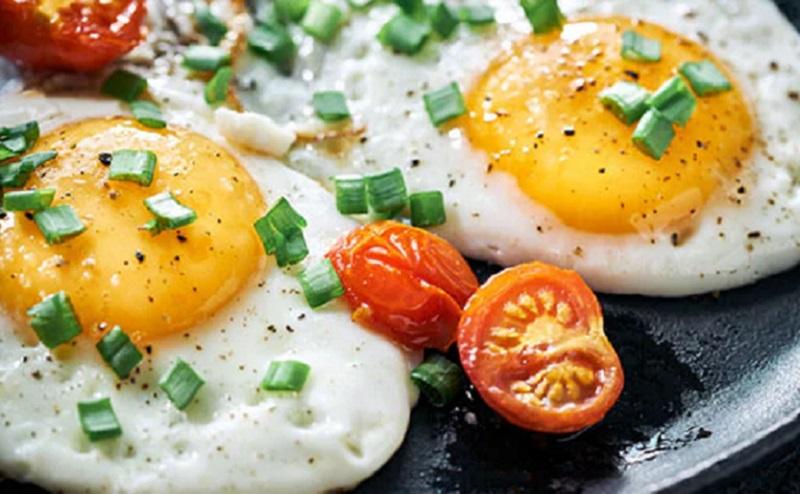 https: img.okezone.com content 2020 08 26 298 2268074 4-manfaat-telur-bagi-tubuh-sering-sering-konsumsi-yuk-FUtopS2A4e.jpg