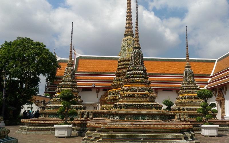 https: img.okezone.com content 2020 08 26 406 2267746 asyik-thailand-sambut-wisatawan-1-oktober-mendatang-ini-persyaratannya-di34Fhg1xg.jpg