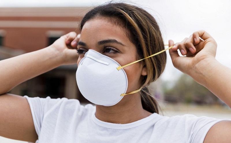 https: img.okezone.com content 2020 08 27 612 2268456 yuk-kenali-masker-n95-yang-direkomendasikan-saat-bioskop-kembali-dibuka-des36CzJOn.jpg