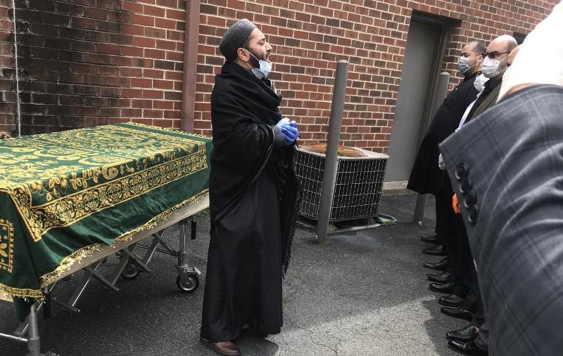 https: img.okezone.com content 2020 08 27 614 2268529 covid-19-mengubah-cara-muslim-di-amerika-memakamkan-jenazah-fO3INIDJP6.jpg
