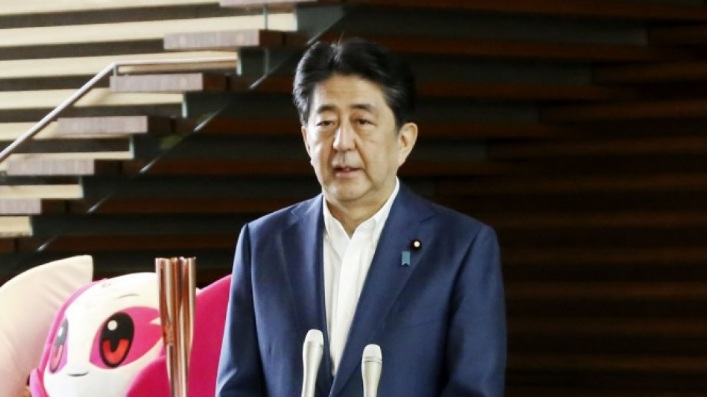 https: img.okezone.com content 2020 08 28 18 2269112 umumkan-pengunduran-diri-shinzo-abe-minta-maaf-pada-rakyat-jepang-nDobTi3PDP.jpg