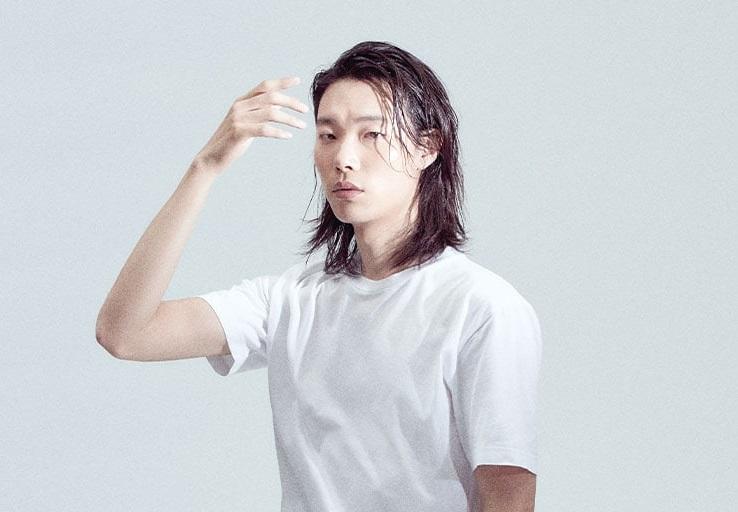 https: img.okezone.com content 2020 08 28 206 2268739 demi-peran-ryu-jun-yeol-rela-panjangkan-rambut-1NJmppx47d.jpg