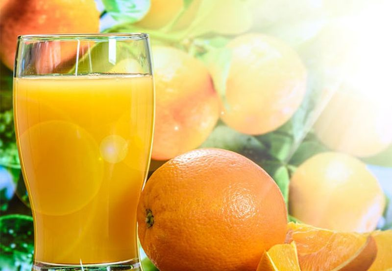 https: img.okezone.com content 2020 08 28 298 2269164 mau-diet-jangan-minum-jus-buah-kemasan-malah-bikin-gemuk-TQ0A9Tng6F.jpg