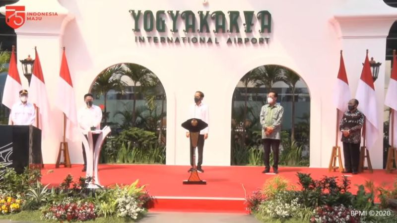 https: img.okezone.com content 2020 08 28 510 2268817 resmikan-bandara-baru-yogyakarta-jokowi-klaim-tahan-gempa-dan-tsunami-TERaoEEQpV.jpg