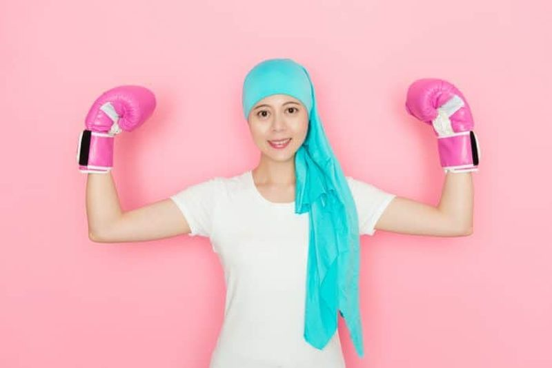 https: img.okezone.com content 2020 08 29 481 2269573 8-bulan-bertarung-dengan-kanker-stadium-4-perempuan-ini-bisa-sembuh-total-d32TqFyZmu.jpg