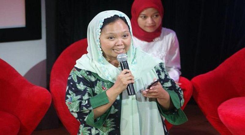 https: img.okezone.com content 2020 08 29 614 2269454 tanggapi-isu-khilafah-alissa-wahid-ingatkan-wasiat-gus-dur-soal-keberagaman-indonesia-GhPjY3c3lh.jpg