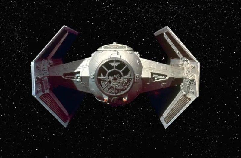 https: img.okezone.com content 2020 08 31 16 2270308 peneliti-temukan-galaksi-mirip-pesawat-tempur-star-wars-milik-darth-vader-20En16qcJ7.jpg