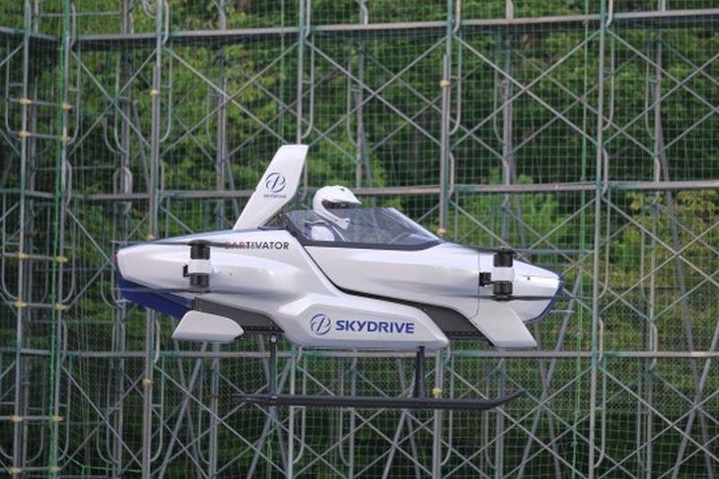 https: img.okezone.com content 2020 08 31 52 2270097 perusahaan-jepang-berhasil-uji-mobil-terbang-IccIPLwRGe.jpg