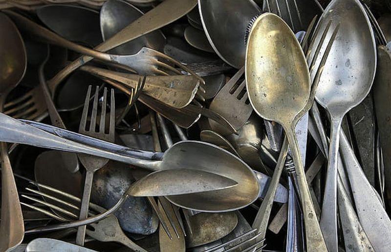 https: img.okezone.com content 2020 09 01 298 2270927 3-bahan-alami-hilangkan-karat-peralatan-dapur-kesayangan-hIgh8T5AXQ.jpg