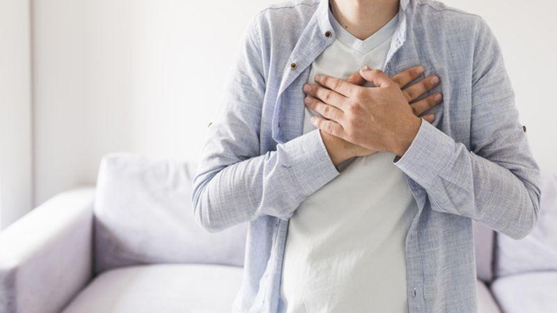 https: img.okezone.com content 2020 09 01 481 2270932 4-gejala-penyakit-jantung-yang-tak-disangka-oVfxdFsU7f.jpg