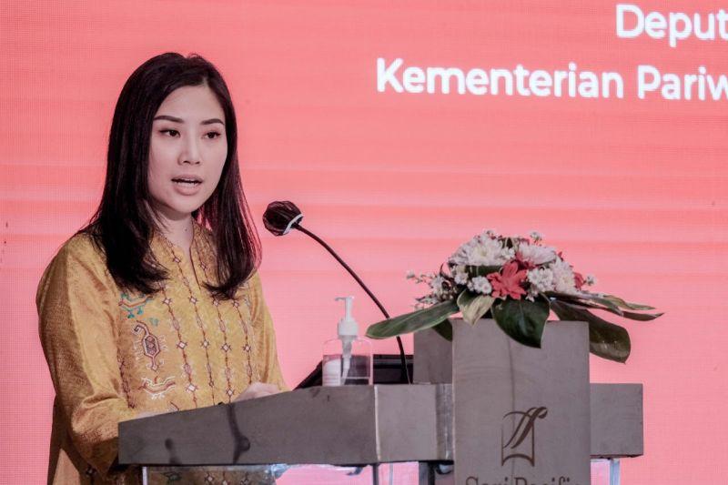 https: img.okezone.com content 2020 09 01 612 2271114 angela-tanoesoedibjo-lomba-cinta-indonesia-bisa-bangkitkan-rasa-gotong-royong-masyarakat-ZQjdQkyCwh.jpg