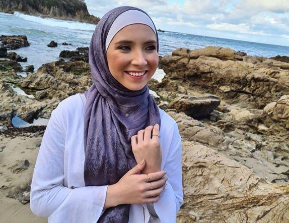 https: img.okezone.com content 2020 09 01 617 2271049 4-hijabers-dunia-berprestasi-hebat-dan-menginspirasi-t5LkQfpirb.JPG
