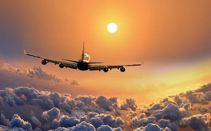 https: img.okezone.com content 2020 09 02 612 2271395 naik-pesawat-aman-dari-covid-19-ini-caranya-4SGNjvCROR.jpg