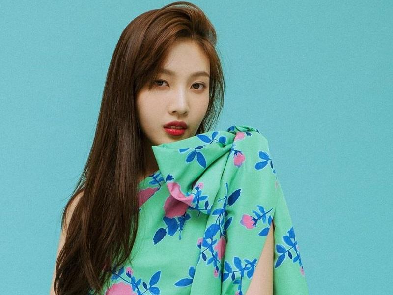 https: img.okezone.com content 2020 09 03 194 2271834 ulang-tahun-ke-24-intip-cantiknya-joy-red-velvet-bergaya-feminin-iRVFqYbzqA.jpg