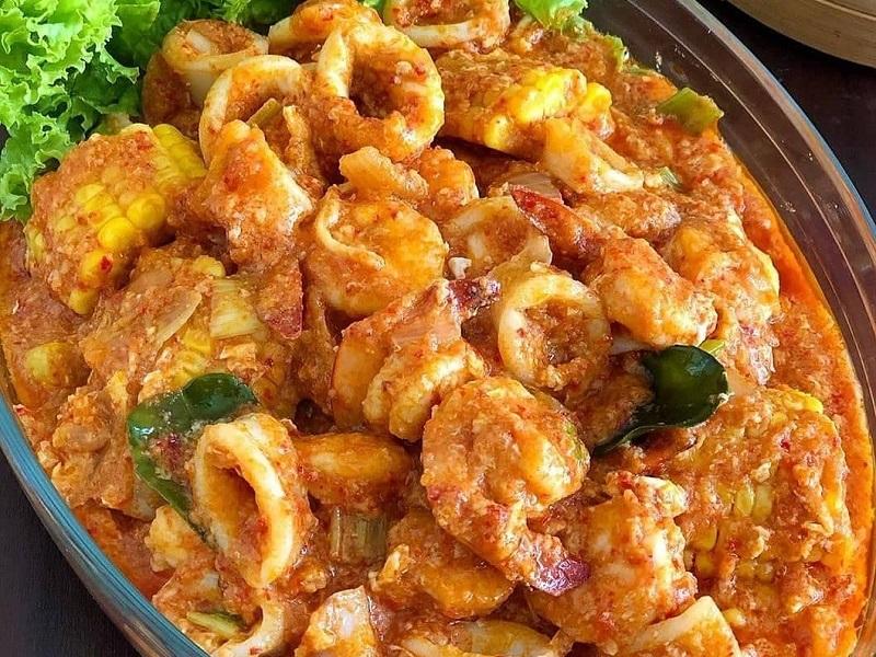 https: img.okezone.com content 2020 09 04 298 2272561 resep-cumi-udang-saus-padang-makan-malam-makin-spesial-ItCdiTrPUj.jpg