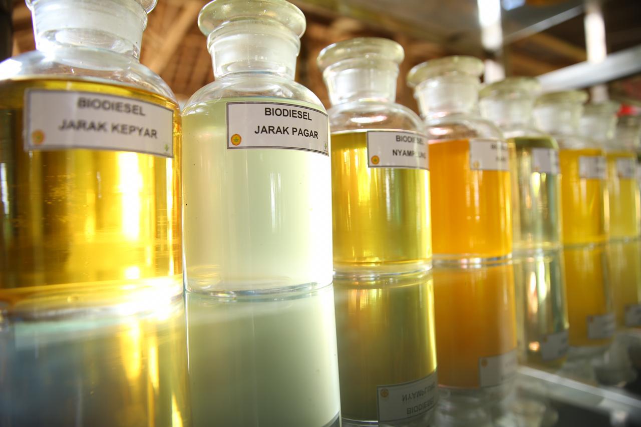 https: img.okezone.com content 2020 09 04 320 2272448 serapan-biodiesel-semester-i-capai-4-36-juta-kl-1SJVxsut5Q.jpg