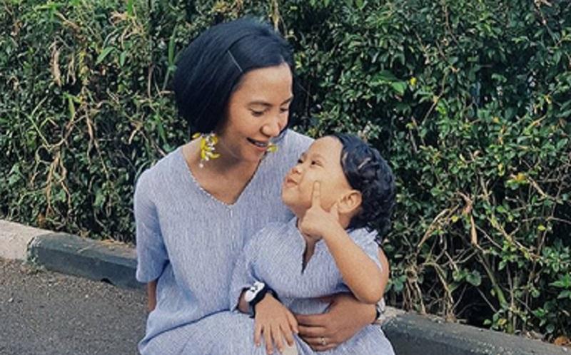 https: img.okezone.com content 2020 09 05 196 2273144 anak-zaman-now-dinilai-kurang-bisa-menghargai-ini-kata-modern-mom-N9tRGZEFrM.jpg