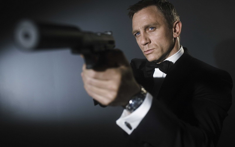 https: img.okezone.com content 2020 09 05 206 2272967 bocoran-plot-di-trailer-terbaru-james-bond-no-time-to-die-ODvt21xLcE.jpg