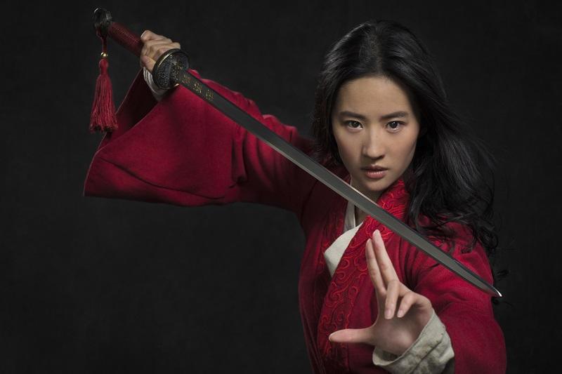 https: img.okezone.com content 2020 09 05 206 2273064 profil-dan-fakta-liu-yifei-aktris-cantik-multitalenta-pemeran-mulan-SefM7jV0bD.jpg