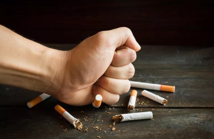 https: img.okezone.com content 2020 09 05 337 2273067 bisa-berdampak-stunting-dpr-minta-aktivitas-merokok-di-keluarga-dikurangi-r9buKce77v.jpg