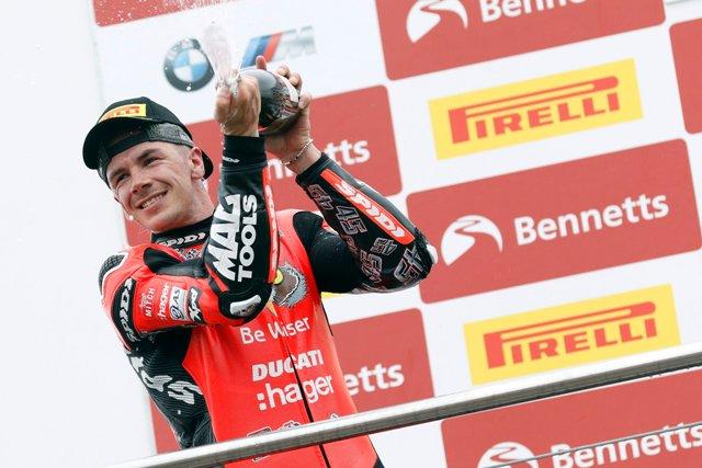 https: img.okezone.com content 2020 09 06 38 2273524 dirumorkan-kembali-ke-motogp-redding-fokus-saya-kini-juarai-superbike-2020-sMAZvhxwAx.jpg