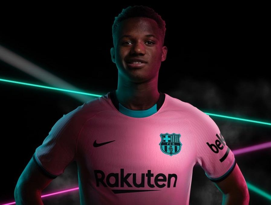 https: img.okezone.com content 2020 09 07 46 2273967 jersey-ketiga-barcelona-bernuansa-pink-9NE07ARqGF.jpg
