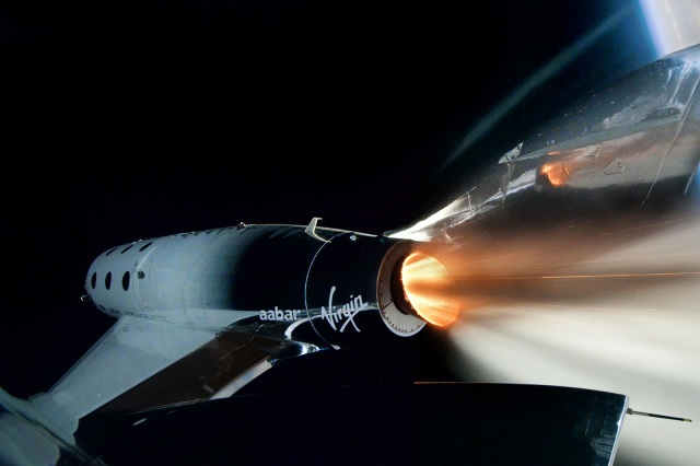https: img.okezone.com content 2020 09 08 16 2274288 virgin-galactic-akan-uji-terbang-pertama-membawa-2-pilot-RWzdbAaQ5x.jpg