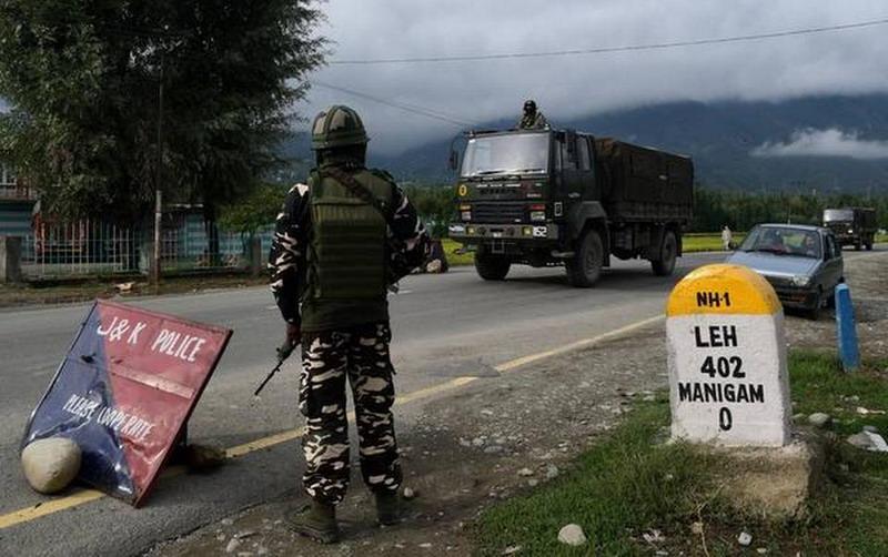 https: img.okezone.com content 2020 09 08 18 2274607 china-tuding-tentara-india-lepaskan-tembakan-di-perbatasan-yang-disengketakan-9vJyLtnQMh.jpg