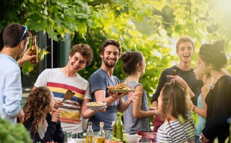 https: img.okezone.com content 2020 09 08 298 2274473 anak-muda-coba-konsumsi-6-makanan-pencegah-demensia-ini-ya-Os565xjcQ9.jpg