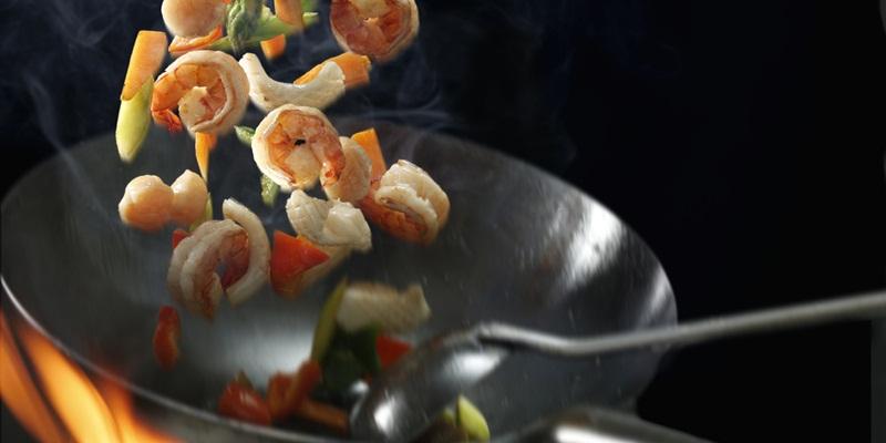 https: img.okezone.com content 2020 09 08 612 2274358 unik-restoran-ini-gunakan-binaraga-sebagai-pengantar-makanan-mynUeYHg4R.jpg