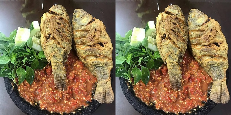 https: img.okezone.com content 2020 09 09 298 2274889 resep-nila-goreng-tepung-sambal-mentah-lezatnya-menggoyang-lidah-no89T76wAw.jpg