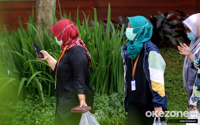 https: img.okezone.com content 2020 09 09 337 2275068 cerita-wni-di-malaysia-tak-pakai-masker-didenda-rp3-juta-c9rM0HxhWt.jpg