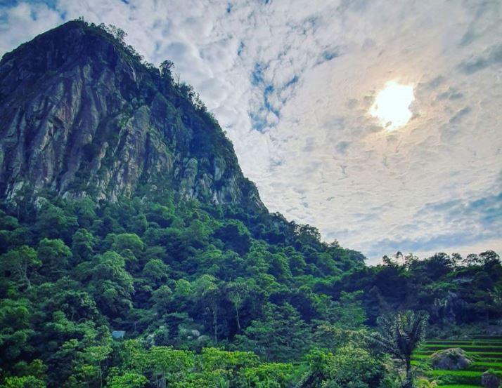 Menikmati Panorama Alam Ala Luar Negeri Di Sasak Panyawangan Okezone Travel