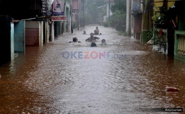 Diguyur Hujan Permukiman Warga Di Medan Utara Terendam Banjir Okezone News