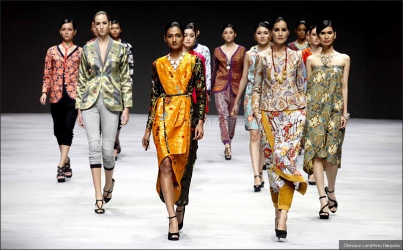 https: img.okezone.com content 2020 09 10 194 2275585 5-jenis-batik-yang-bikin-penampilan-makin-trendi-uNTr5kN5A1.jpg