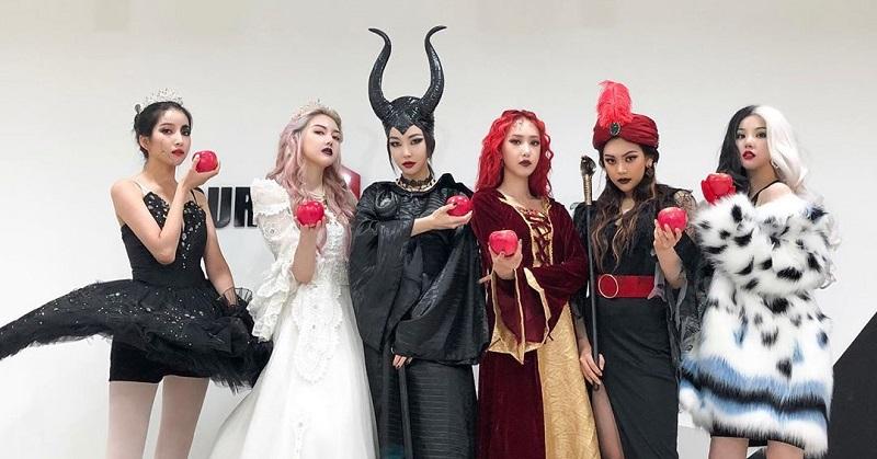 https: img.okezone.com content 2020 09 10 194 2275767 potret-grup-gfriend-yang-kompak-pakai-outfit-unik-fp3OLwrpL6.jpg
