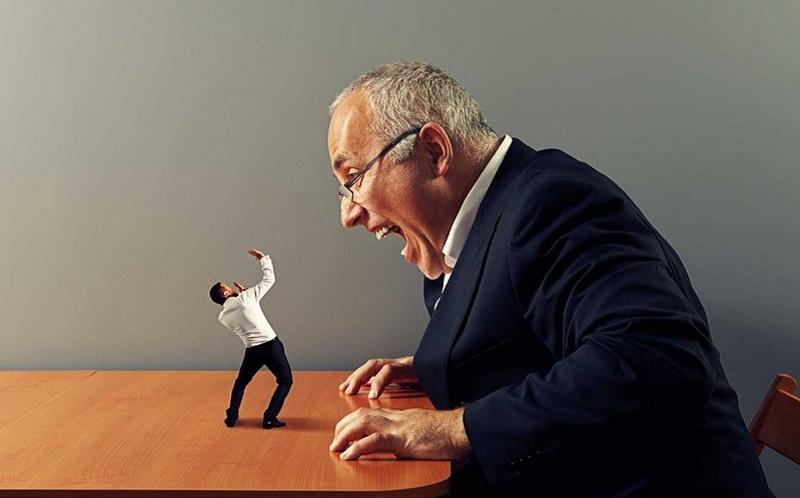 https: img.okezone.com content 2020 09 10 196 2275438 jangan-panik-ini-4-tips-menghadapi-bos-yang-menyebalkan-RKl7wu5z19.jpg