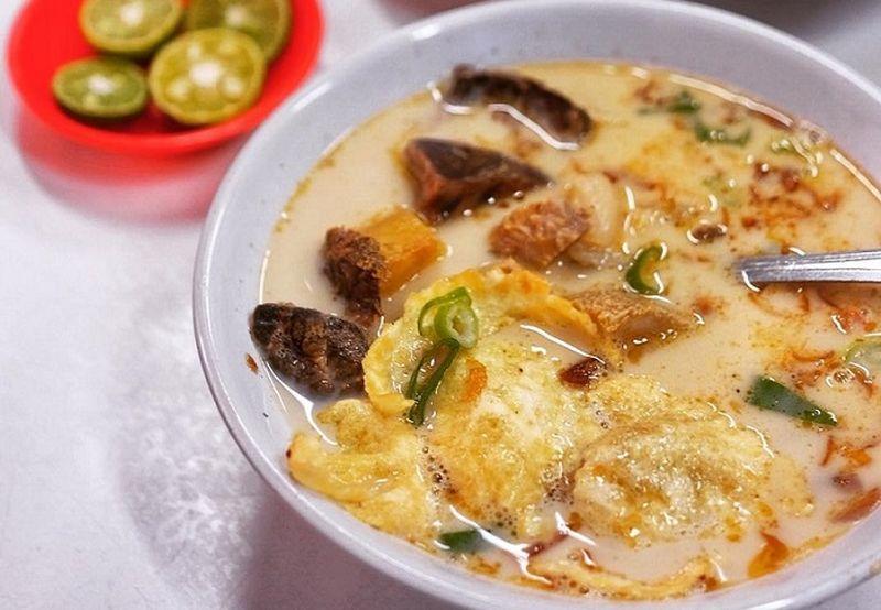 https: img.okezone.com content 2020 09 10 301 2275568 jakarta-psbb-total-cicipi-5-kuliner-khas-betawi-di-rumah-aja-qv193HD8ZT.jpg