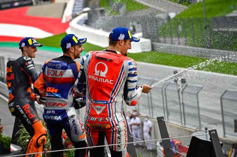 https: img.okezone.com content 2020 09 10 38 2275759 stoner-tak-setuju-jika-motogp-2020-disebut-kejuaraan-dunia-lagi-ini-alasannya-SCRNFDbWkq.jpg