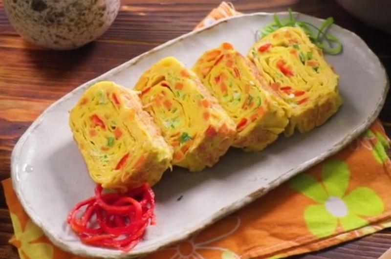 https: img.okezone.com content 2020 09 11 298 2276407 intip-cara-membuat-telur-dadar-gulung-tamagoyaki-ktxtVQ00OS.jpg