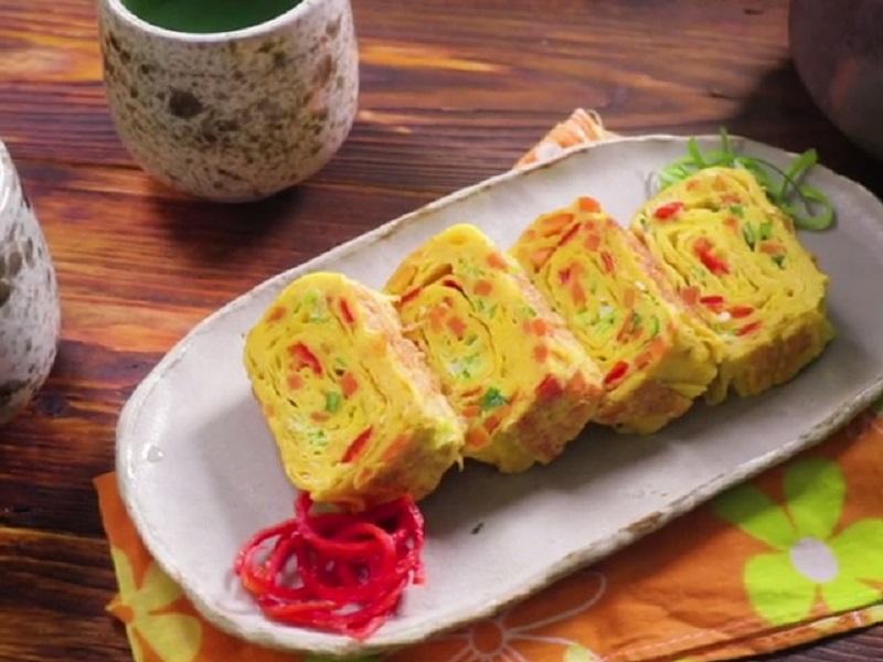 https: img.okezone.com content 2020 09 11 298 2276463 akhir-pekan-bikin-tamagoyaki-telur-ala-jepang-yang-enak-banget-9VYqx0l7M9.jpg