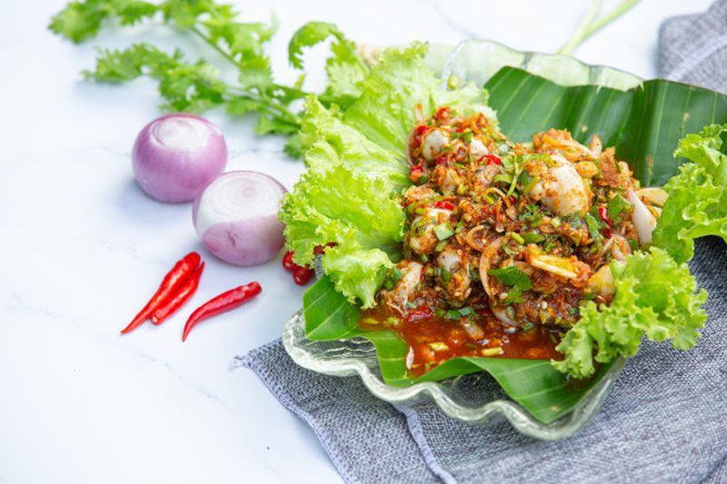 https: img.okezone.com content 2020 09 11 298 2276483 seafood-bumbu-cabai-rawit-lidah-tak-berhenti-bergoyang-J28RJ8GVu9.jpg