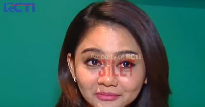 Baru Cerai Jenita Janet Gandeng Pacar Duda Muda Okezone Celebrity