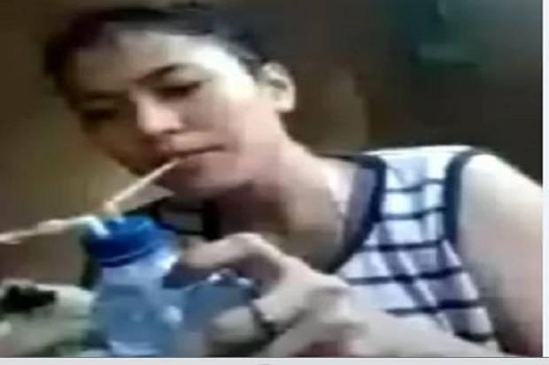 https: img.okezone.com content 2020 09 11 610 2276541 viral-wanita-seksi-ini-asyik-video-call-sambil-nyabu-vm3BJxkHu8.jpg