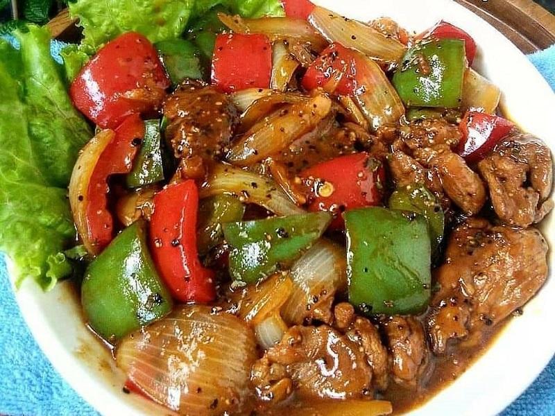https: img.okezone.com content 2020 09 12 298 2276606 lezatnya-daging-sapi-lada-hitam-malam-minggu-di-rumah-jadi-spesial-QGeRHuFkyU.jpg