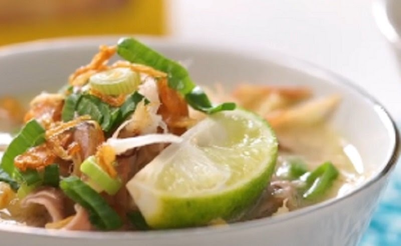 https: img.okezone.com content 2020 09 12 301 2276741 berburu-kuliner-malam-di-solo-soto-segar-cuma-rp5-ribu-dpHjZXndA0.jpg